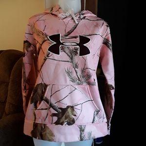 💗Under Armour girls pink hoodie M⚘